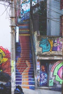 stairsholdinghands1